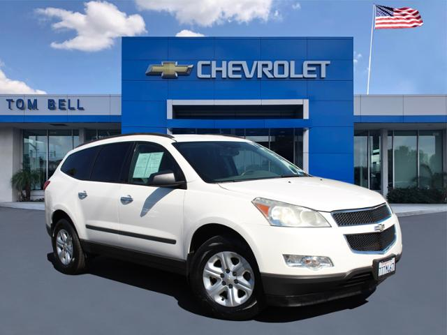 Pre-Owned 2011 Chevrolet Traverse LS