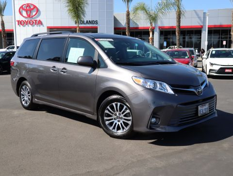 Certified Pre-Owned 2018 Toyota Sienna XLE Auto Access Seat